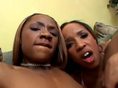 Interracial Fick mit versauten Ebony Nutten