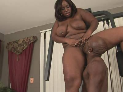 Ebony BBW liebt dicke Schwänze