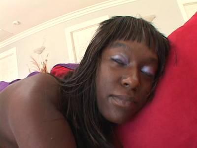 Geile Ebony mit dicken Titten steht auf BBC