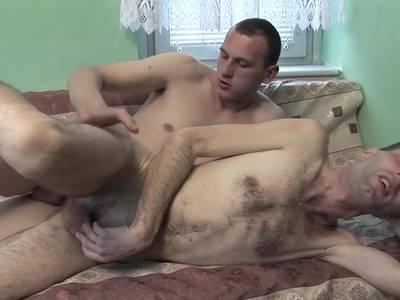 Gay Boy steht auf Doggyfick