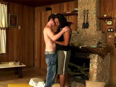 Gayboys ficken scharf miteinander und besamen sich gegenseitig