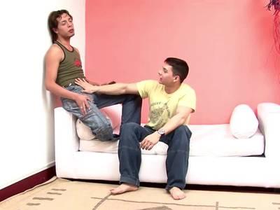 Zwei heiße Gays ficken sich