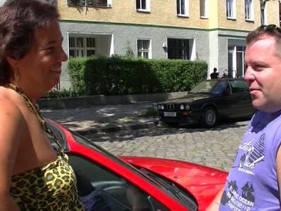 Deutsche Oma bläst einen kleinen Penis